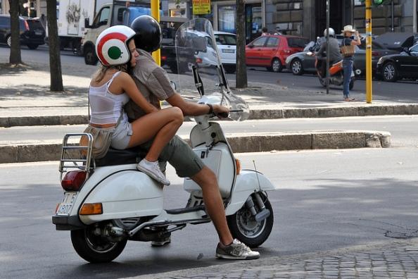Renting-a-vespa-in-Rome